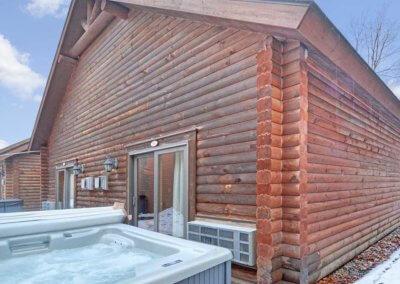 Cabin 45L - Hot Tub