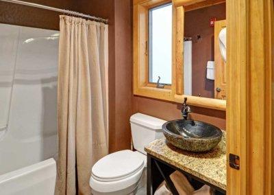 Cabin 46L - Bathroom 1