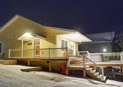 Cabin 5 - Exterior & Deck