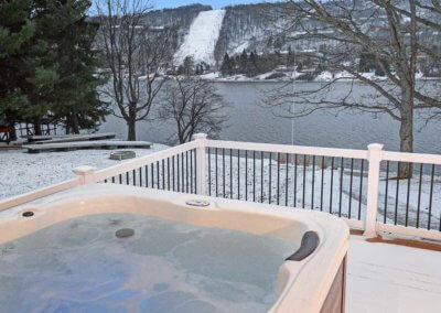 The Lodges at Sunset Village perfect hot tub overlooking Deep Creek Lake and Wisp Resort
