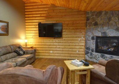 Cabin 5 - Living Area