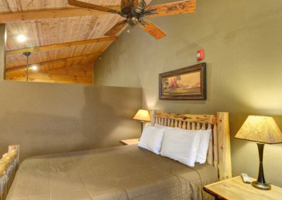 Cabin 46L - Loft Bed